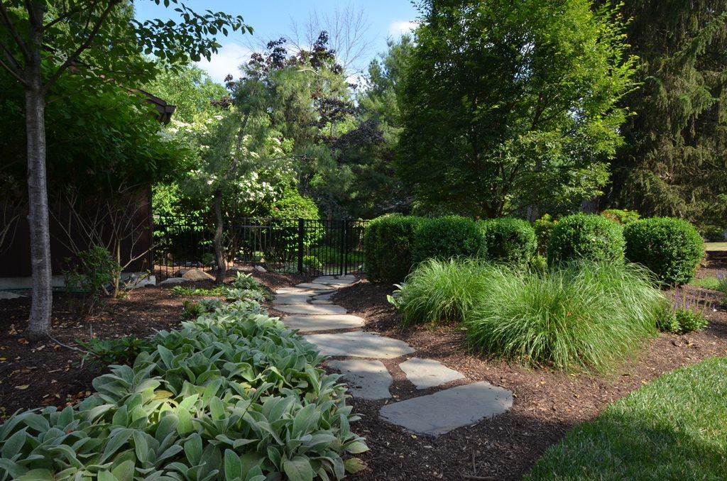 Garden Path Landscaping Stepping stone garden path tode landscape stepping stone garden path workwithnaturefo